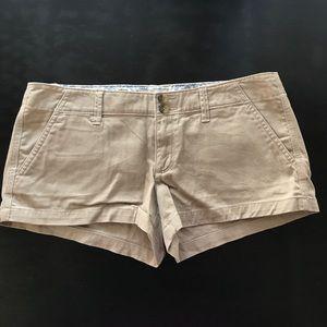 American Eagle Khaki shorts Size 6