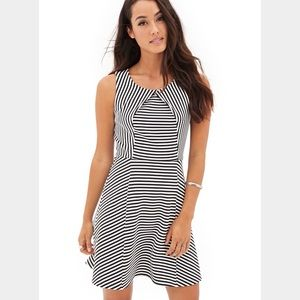 Striped fit flare dress black white pleated front