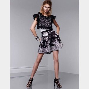 Dark floral print skirt pockets midnight black