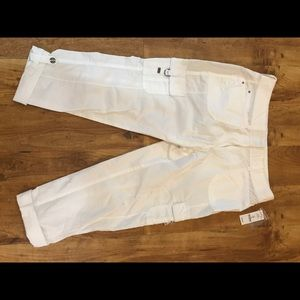 Ladies WHBM brand new white crop pants