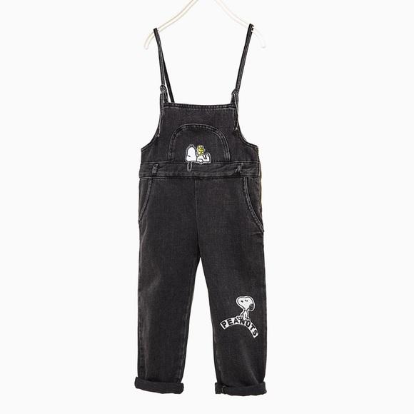 1ff1e8acbf5 Zara black Snoopy denim dungarees