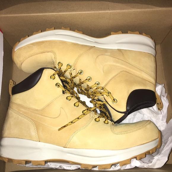 Nike manoa leather boots. M 59d17f63c2845654ea0b989e 65a595cc2