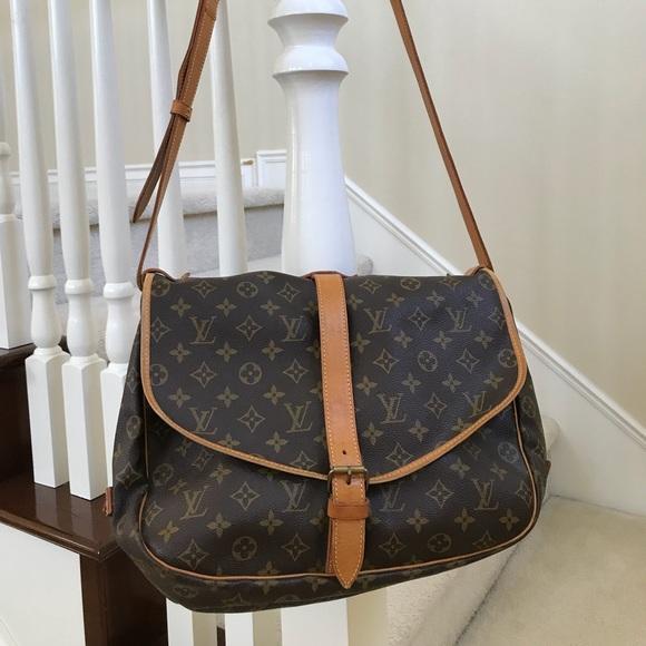1d64924f36fd Louis Vuitton Handbags - Auth Louis Vuitton Saumur 35 Monogram Shoulder Bag