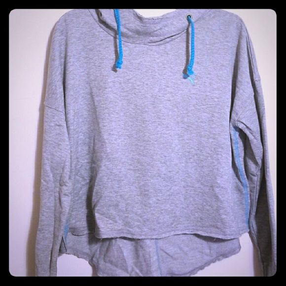Puma cropped cowl neck hoodie size Med NWT