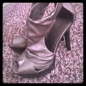 Shoes - Silver and black heels