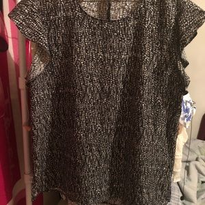 Tops - Ladies pretty black and white Metaphor blouse