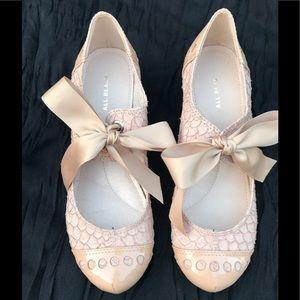 🎀 Nude MODCLOTH Leather Heels 🎀