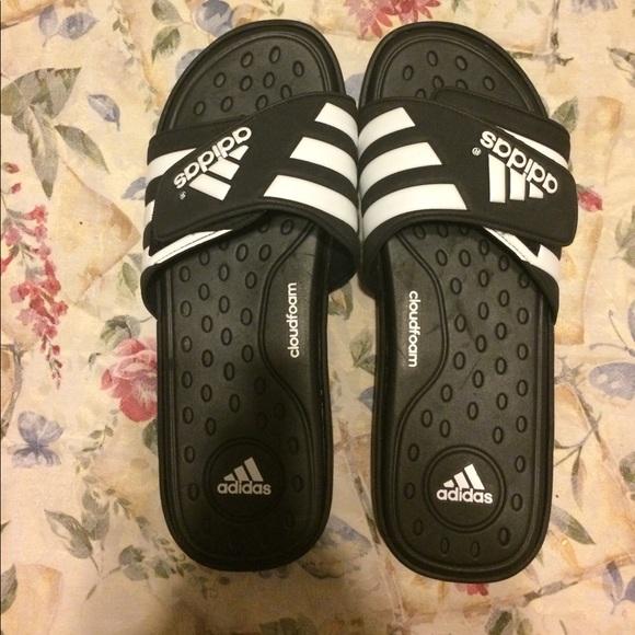 le adidas mens slide sandali poshmark