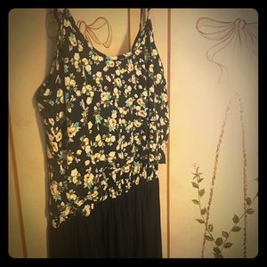Small maxi dress with floral too and black skirt