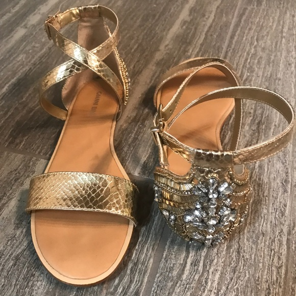 Shoes - Gianni Bini gold sandal with jeweled heel. Size 9