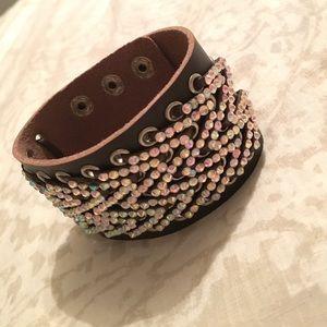 Jewelry - Cute brown and rhinestone cuff bracelet