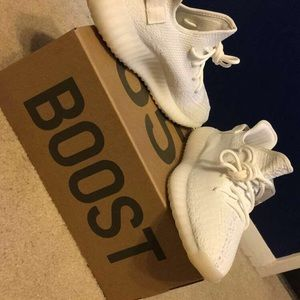 0a167a40805b Yeezy Shoes - Cream white Yeezys Fresh our the box 💦