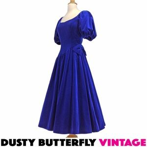 VTG 50s 60s BLUE VELVET PROM DRESS Full Skirt TEA