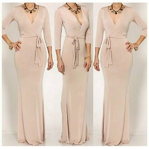 Dresses & Skirts - 🆕 AMBER ROSE 3/4 SLEEVE KHAKI MAXI DRESS