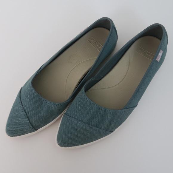 8dd1c492f6c39 Sanuk Women's Kat Prowl Pointed Flats - Size 5.5
