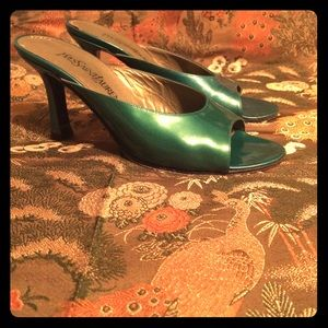 🎉HP Best In Shoes!🎉Vtg YSL patent leather mules
