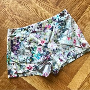 Smooth Flora Shorts