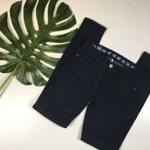 NWOT Earnest Sewn Mid Rise Skinny Jeans
