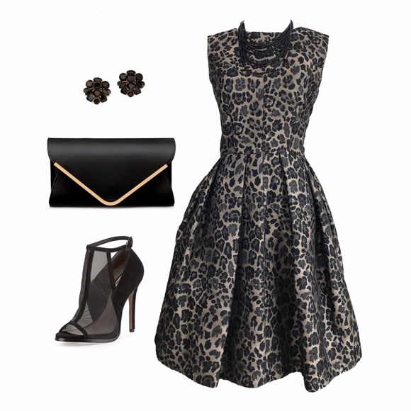 Taylor Dresses & Skirts - Taylor Leopard Pouf Party Dress