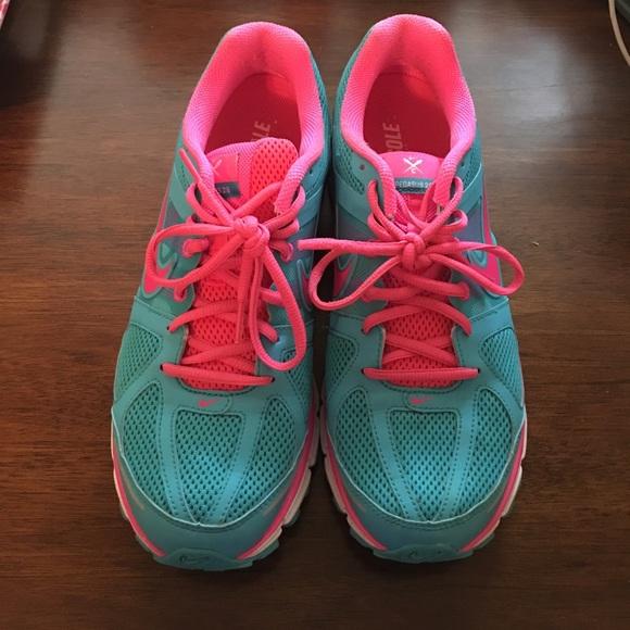 Nike Air Pegasus tennis shoes