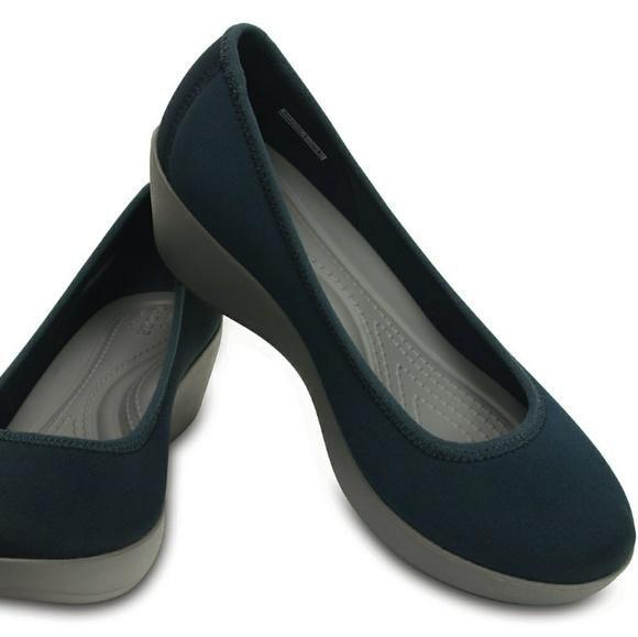 634ed5da14a85 CROCS Shoes - Crocs Busy Day Stretch Ballet Navy Smoke Wedge