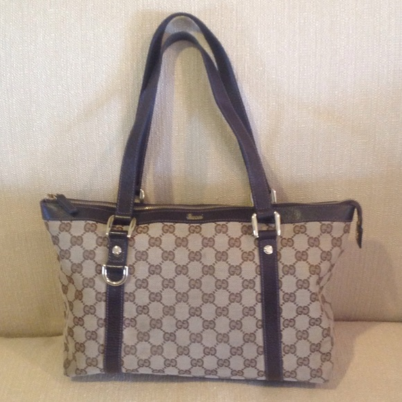 dcb305d77 Gucci Bags | Monogram Canvas Gg Medium Abbey Tote Bag | Poshmark