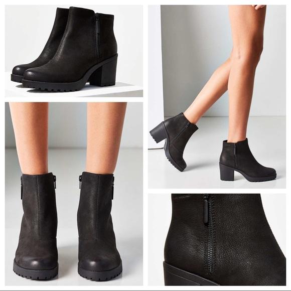 a690c235613dac Vagabond Nubuck Grace Double Zipper Ankle Boot