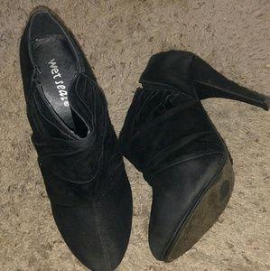 Black Wet Seal heels. Size 8 1/2