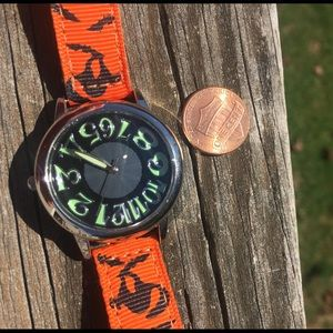 AVON 🎃 Halloween theme wrist watch