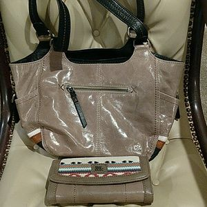 The sak kendra hobo with matching wallet