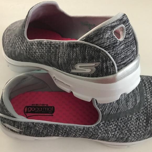 3b7eee827151 NEW Skechers Women s Go Walk 3-Renew Shoes 9EW