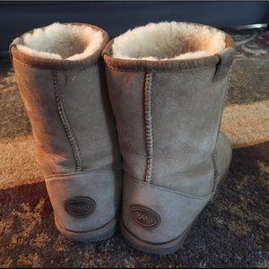 EMU shearling boots