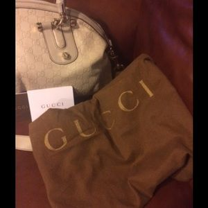 Gucci Bags - SOLD ON TRADESY 1/1/2018 Gucci Vintage Pop Bamboo
