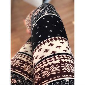 📍1 HR SALE- Holiday Brushed Knit Legging