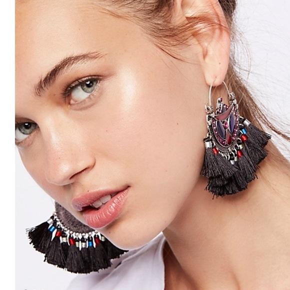 2dbe3045d9 {free people} HP🎉 Arabian nights fringe earring