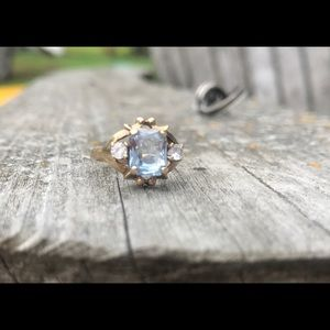 Jewelry - Vintage aquamarine and topaz ring