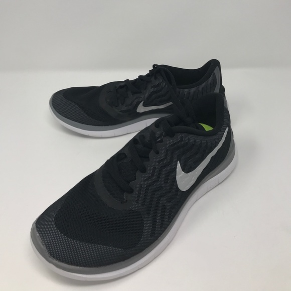 outlet store sale 5f810 0b315 Women's nike free 4.0 V5 running size 8.5 a2 box2