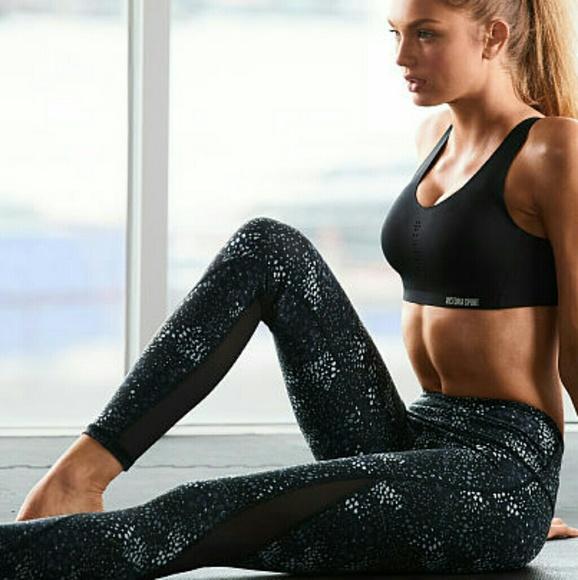 NWT Victoria/'s Secret Victoria Sport Gym Yoga Bra Size M
