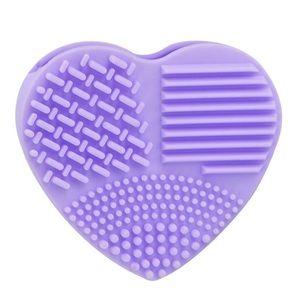 Other - ✨SALE✨ Makeup Brush Scrubbing Heart Tool