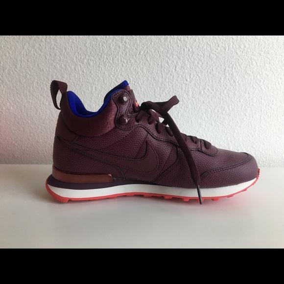bd021db7a983 Women Internationalist Mid Leather Sneakers. M 59d2bb88522b455dba00fcbe