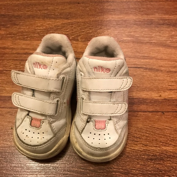 Nike size 4.5 toddler girl shoes