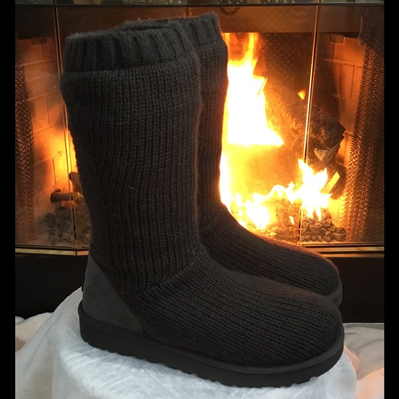bbf4fd4c208 NWOB UGG CAPRA BLACK KNIT RIBBED SWEATER BOOTS 6 NWT