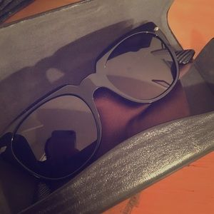 Person 0PO3111S Sunglasses