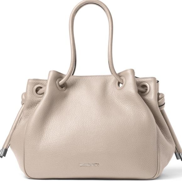 ffbc39392db3 Michael Kors Bags | Dalia Large Leather Tote In Cement | Poshmark