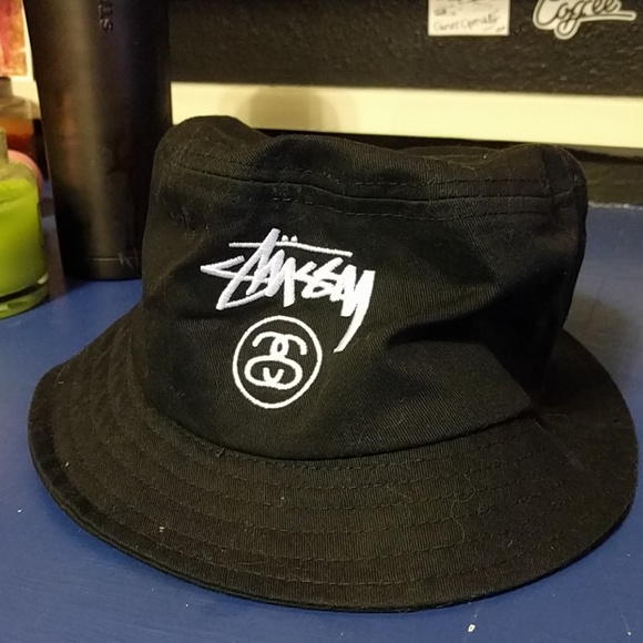 5a0fadca7a6 Two new Stussy bucket hat for  10. M 59d2f9c9f739bce10a0240dc