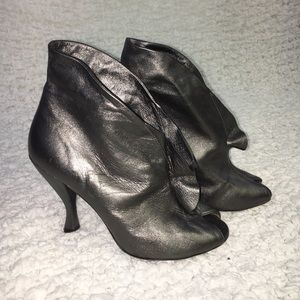 Marc by Marc Jacobs metallic gray ankle boots