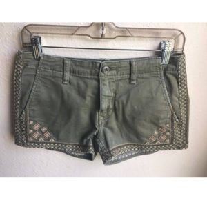 Driftwood Embroidered Green Short