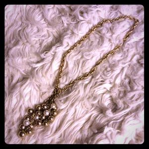 Gold tone pearl cluster tie necklace
