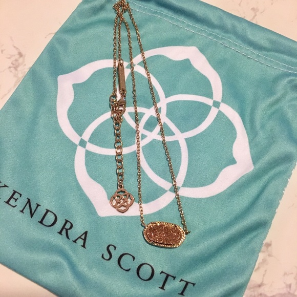 b0c12b38b6ad Kendra Scott Jewelry - Elisa Rose Gold Pendant Necklace