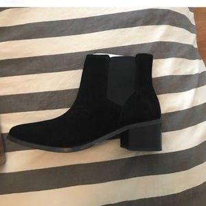 6493d6e40cf ASOS ankle boot ASOS Revive Chelsea Boots NWT